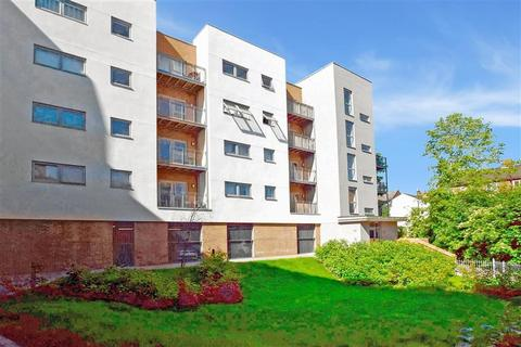 2 bedroom apartment for sale - Sovereign Way, Tonbridge, Kent