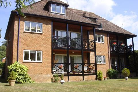 2 bedroom apartment to rent - Court Road Maidenhead Berkshire