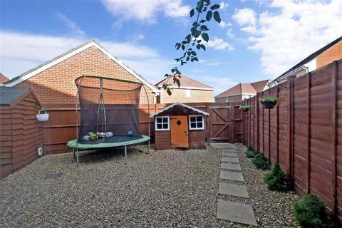 3 bedroom semi-detached house for sale - Wood Hill Way, Bognor Regis, West Sussex