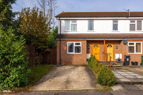 3 bedroom house to rent - North Road, RH2