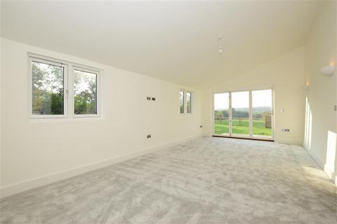 4 bedroom barn conversion for sale - New Barns Farm, Roding Lane, Chigwell, Essex