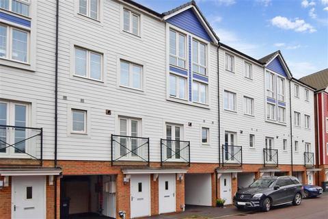 4 bedroom townhouse for sale - Crabapple Road, Tonbridge, Kent