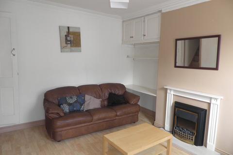 2 bedroom terraced house to rent - Queens Road, Leeds, West Yorkshire, LS6