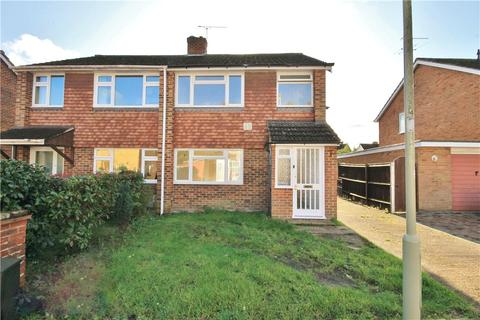 3 bedroom semi-detached house to rent - Nash Close, Farnborough, Hampshire, GU14
