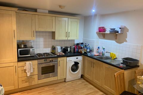 3 bedroom flat to rent - Holborn Approach, Leeds, West Yorkshire, LS6