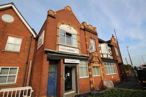 Property to rent - Tiger Lounge High Street,  Rowley Regis, B65
