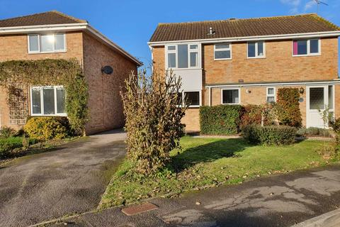 4 bedroom detached house to rent - North Meadow Road, Cricklade
