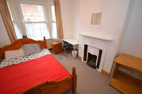 4 bedroom terraced house to rent - Swainstone Road, RG2 0DX