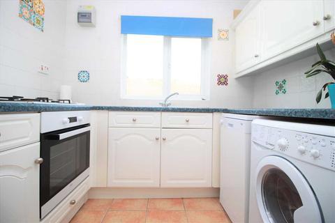 1 bedroom apartment for sale - Chestnut Avenue, hornchurch