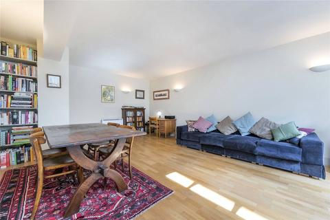 1 bedroom flat for sale - Tamarind Court, 18 Gainsford Street, Shad Thames, London
