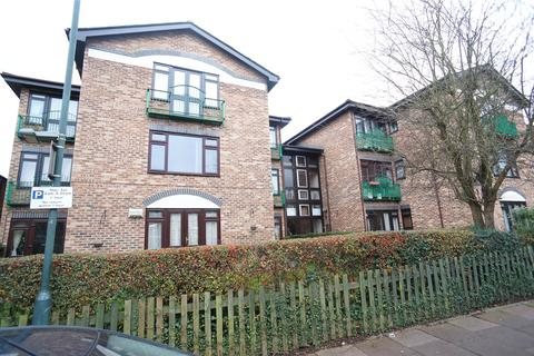 Studio to rent - Milton Lodge, 6 Hadlow Road, Sidcup