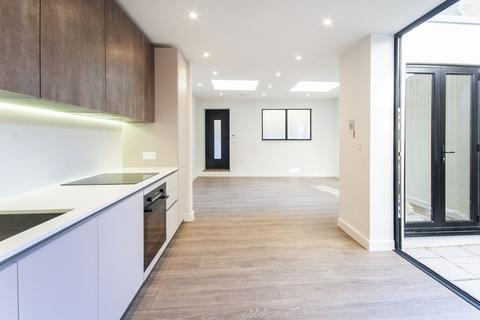 1 bedroom apartment to rent - Bramfield Road, SW11