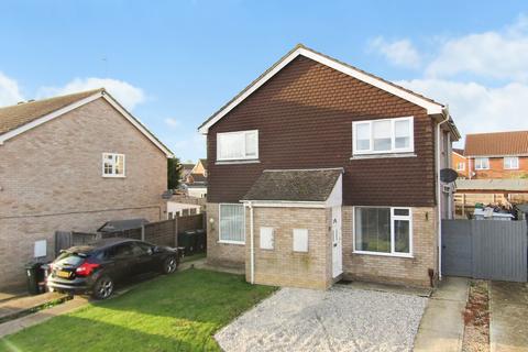 2 bedroom semi-detached house for sale - Westmoors, Ashford