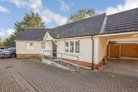 3 bedroom detached bungalow to rent - Corporation Road, Chelmsford