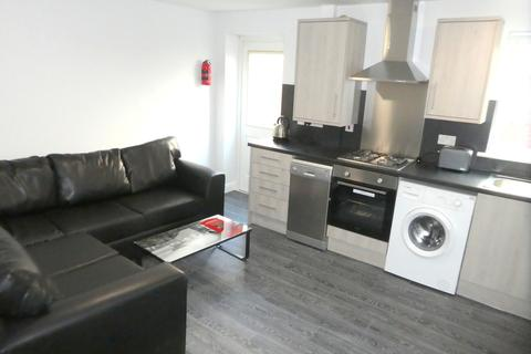 5 bedroom terraced house to rent - Evelyn Street, Fallowfield