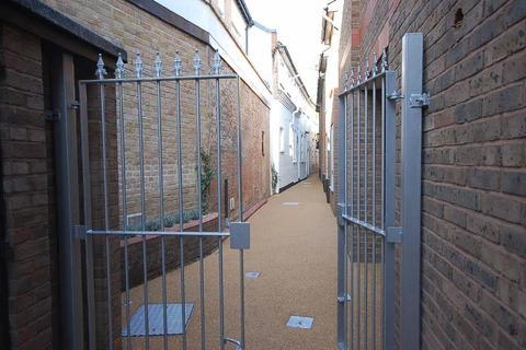 1 bedroom mews to rent - Fentiman Walk, Hertford