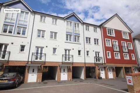 4 bedroom property for sale - Crabapple Road, Tonbridge