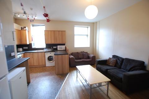 5 bedroom flat to rent - Crookesmoor Road (Up F3), Upper Flat (3)