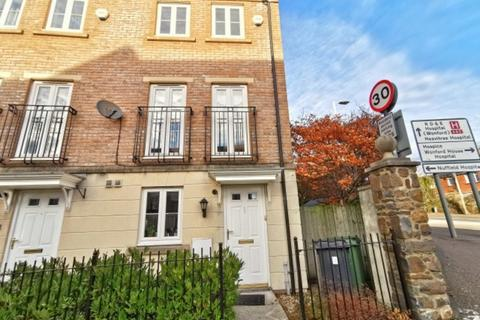 4 bedroom townhouse to rent - Fleming Way, Exeter