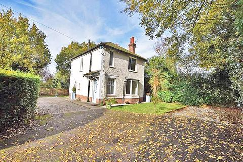 3 bedroom detached house to rent - Tower Lane, Maidstone