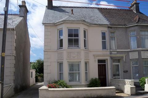 1 bedroom apartment to rent - One bedroomed ground floor flat.  Kitchen/Diner, Lounge, Shower Room, GCH, Parking.