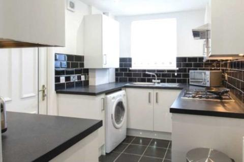 4 bedroom house share to rent - Highfield Road, Manchester