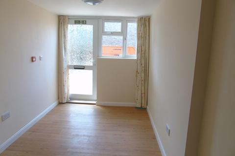 1 bedroom house share to rent - Wisden Road, Stevenage. House Share