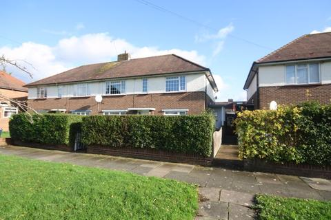 2 bedroom maisonette for sale - Trevor Close, Northolt, UB5