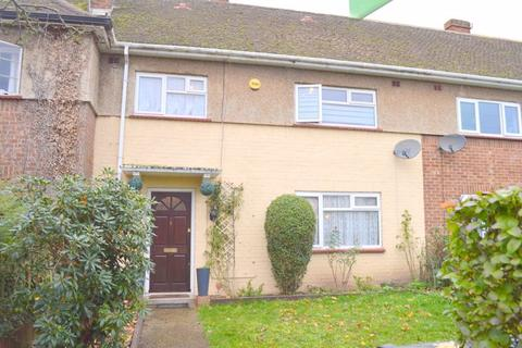 3 bedroom terraced house for sale - Peacock Avenue, Bedfont