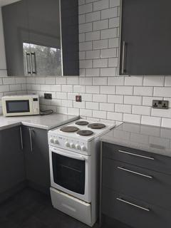 1 bedroom flat to rent - Champion Close