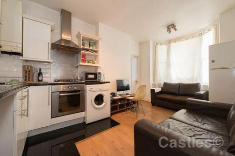 2 bedroom flat for sale - Rangemoor Road, N15