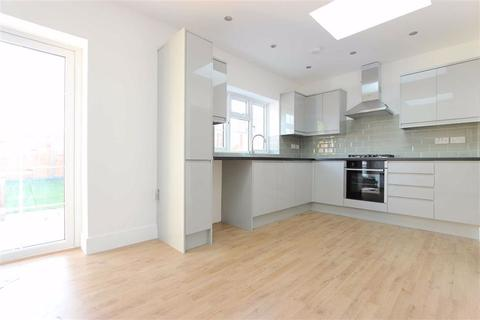 4 bedroom semi-detached house to rent - Riverbank, Winchmore Hill, London