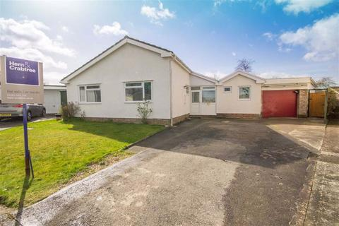 3 bedroom detached bungalow for sale - Coed Y Llyn, Radyr, Cardiff