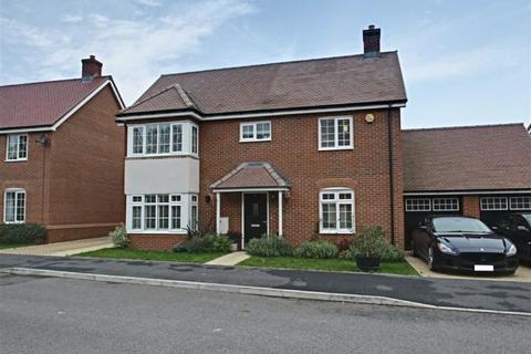 4 bedroom detached house for sale - Elizabeth II Avenue, Berkhamsted