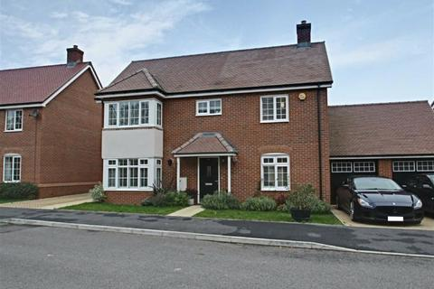 4 bedroom detached house for sale - Elizabeth II Avenue, Berkhamsted