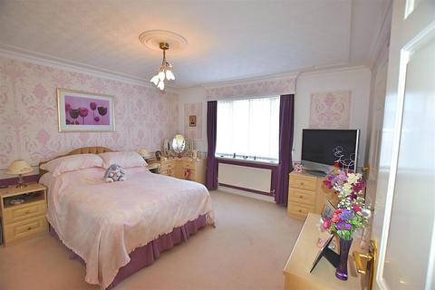 3 bedroom property for sale - East Lane, Sigglesthorne, Hull