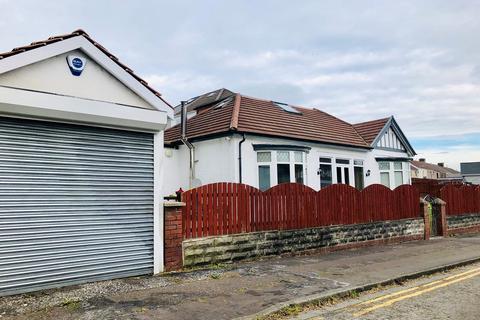4 bedroom bungalow for sale - Manor Road, Manselton, Swansea, SA5