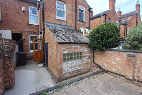 3 bedroom terraced house to rent - Cradock Road, Leicester, LE2
