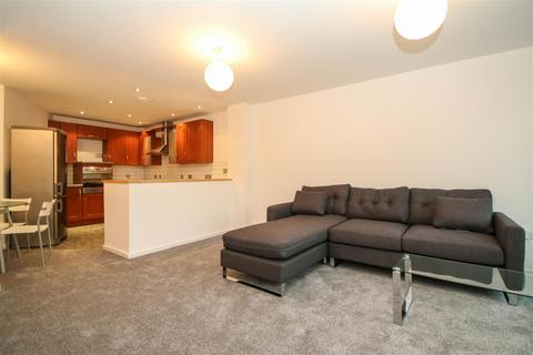 2 bedroom apartment to rent - City South, City Road East, Manchester