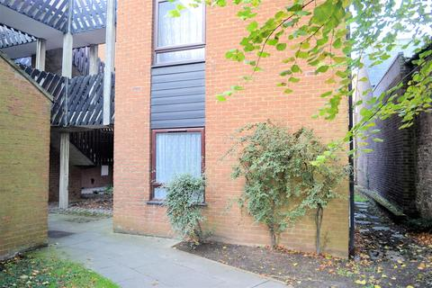 1 bedroom flat for sale - St. Nicholas Close, King's Lynn