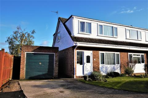 3 bedroom semi-detached house for sale - Chestnut Drive, Coxheath, Maidstone