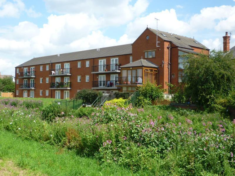 2 Bedrooms Flat for sale in Riverside Lawns, Peel Street, Lincoln, Lincolnshire, LN5