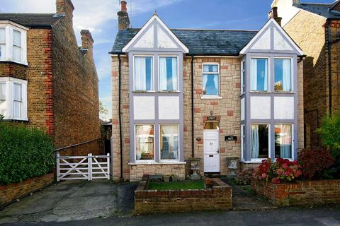 4 bedroom detached house for sale - Alexandra Road, Broadstairs