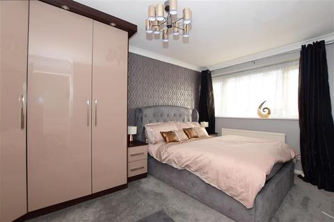 3 bedroom terraced house for sale - Flamingo Walk, Hornchurch, Essex