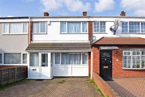 3 bedroom terraced house for sale - Flamingo Walk, Hornchurch, Essex