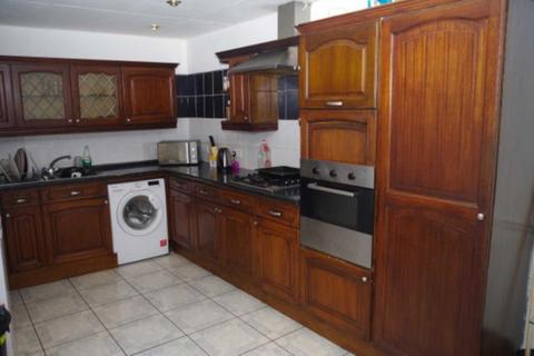 4 bedroom house share to rent - Albert Edward, Kensington
