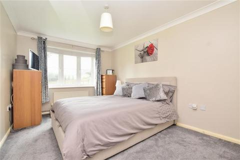 2 bedroom ground floor flat for sale - Halton Road, Kenley, Surrey