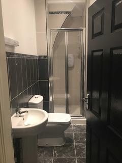 4 bedroom house share to rent - Cranborne Road, Wavertree