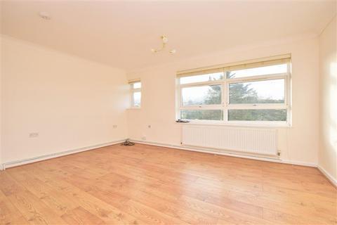 2 bedroom flat for sale - Edgeworth Close, Whyteleafe, Surrey