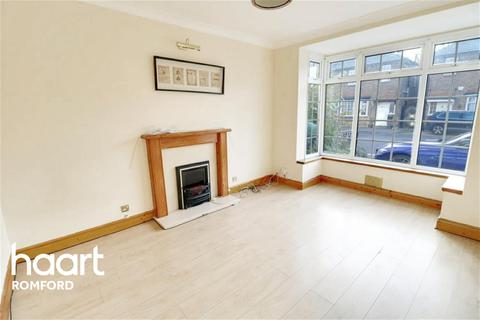 4 bedroom semi-detached house to rent - Clydesdale Road - Hornchurch - RM11